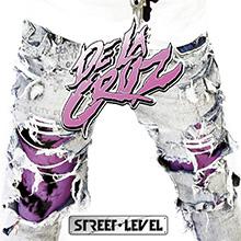 STREET LEVEL/DE LA CRUZ