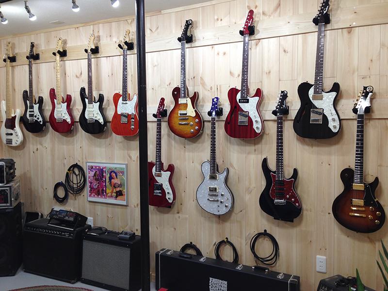 フリーダム カスタム ギター リサーチのショールームがリニューアル・オープン!