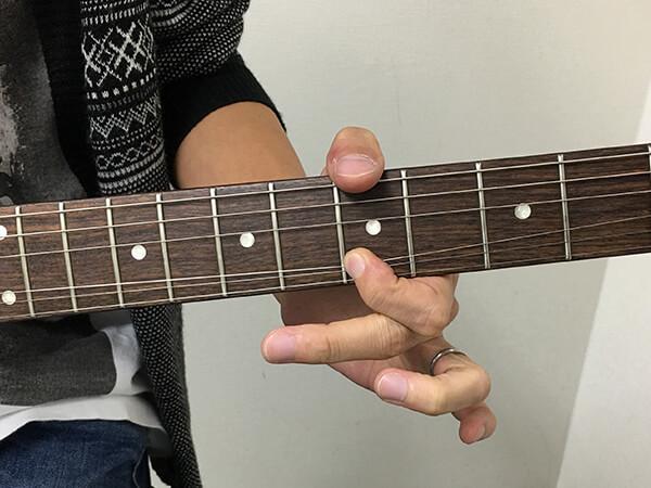 3弦を引き下げチョーキングするメリットは?(譜例あり)
