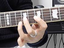 弦移動を伴うプリングがうまく聞こえません…(動画&譜例)
