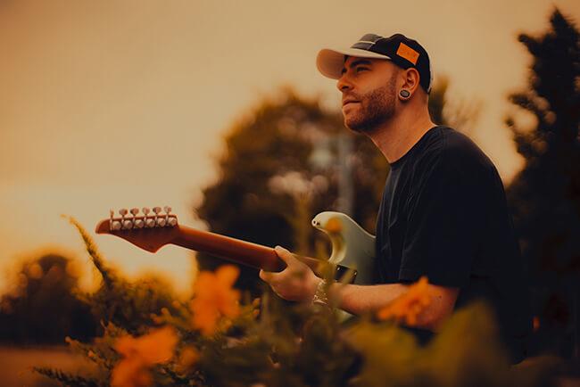 「ライヴではあえてアルバムと異なるアプローチをする」アーロン・マーシャル/インターヴァルズ 2018来日『THE WAY FORWARD』