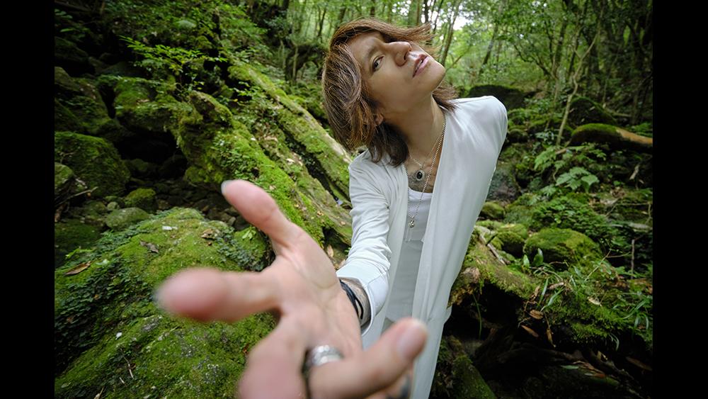 SUGIZO『愛と調和』YG掲載インタビュー後編「本当に理想とする世の中を実現するため、僕はこれからも動いていきたいし生きていきたい」