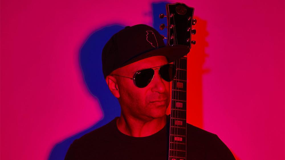 トム・モレロがBMTHとのコラボ新曲「Let's Get The Party Started」を公開